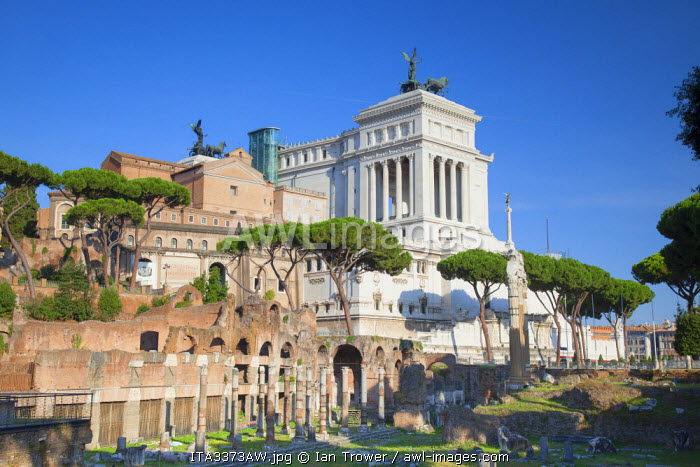 Roman forum (UNESCO World Heritage Site) and National Monument to Victor Emmanuel II, Rome, Lazio, Italy