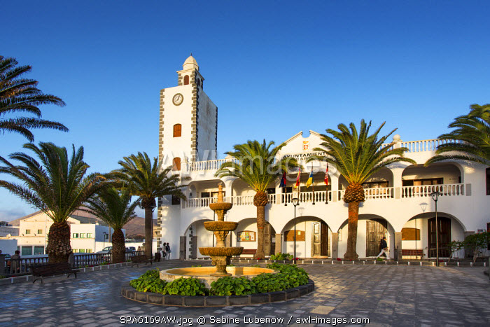 Town hall, Plaza Leon y Castillo, San Bartolome, Lanzarote, Canary Islands, Spain
