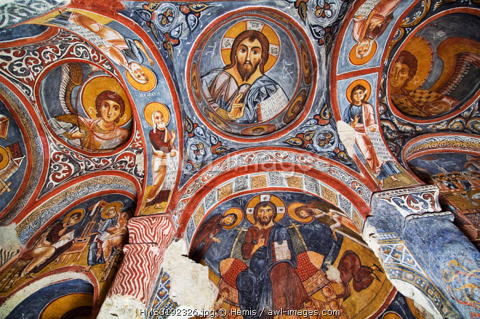 Turkey, Central Anatolia, Cappadocia, listed as World Heritage by UNESCO, Goreme village, open-air cave museum of Goreme, Karanlik Kilise (Dark Church) 11th century, central cupola