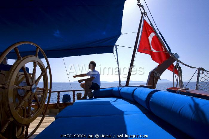 Turkey, Aegean coast, Gulf of Gokova east of Bodrum, coastal fishing on the Ilarya gulet (traditional Turkish sailing boat)