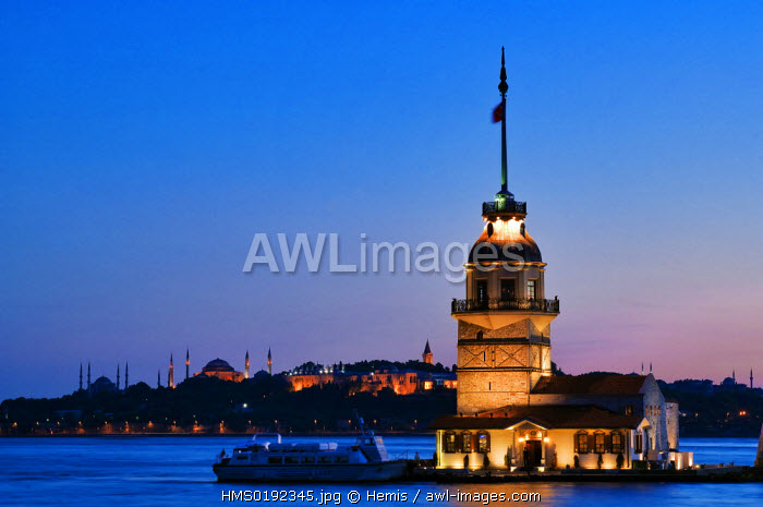 Turkey, Istanbul, Bosphorus or Istanbul Strait, Uskudar District, Kiz Kulesi (Maiden's Tower)