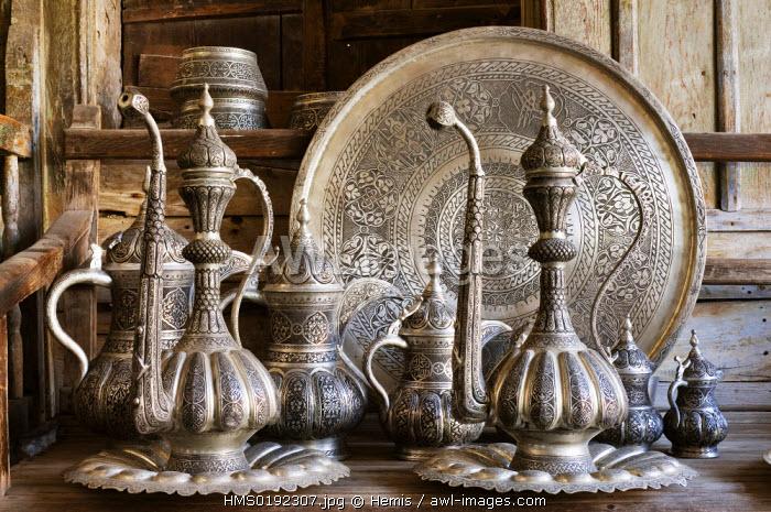 Turkey, Eastern Anatolia, Gaziantep, Sari Ahmet 's shop, brassware