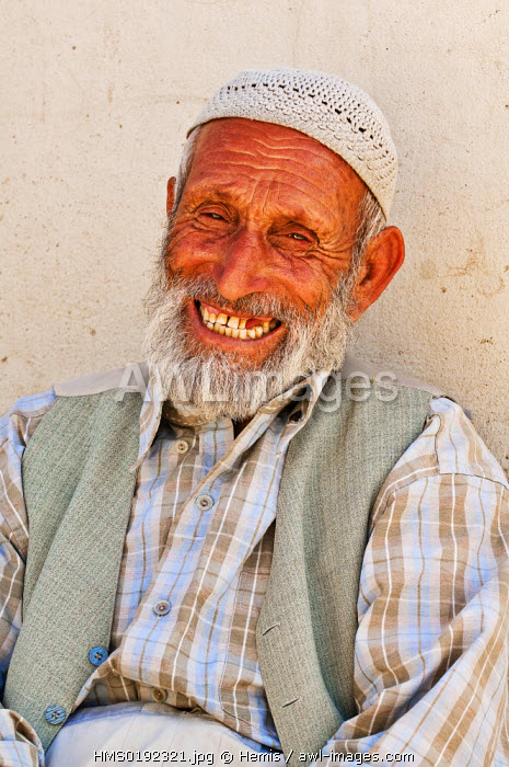 Turkey, Eastern Anatolia, Nemrut Dagi (Mount Nemrut), Kurdish farmer