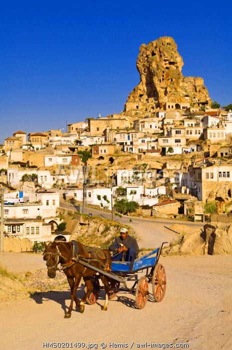 Turkey, Central Anatolia, Cappadocia, area listed as World Heritage by UNESCO, Ortahisar