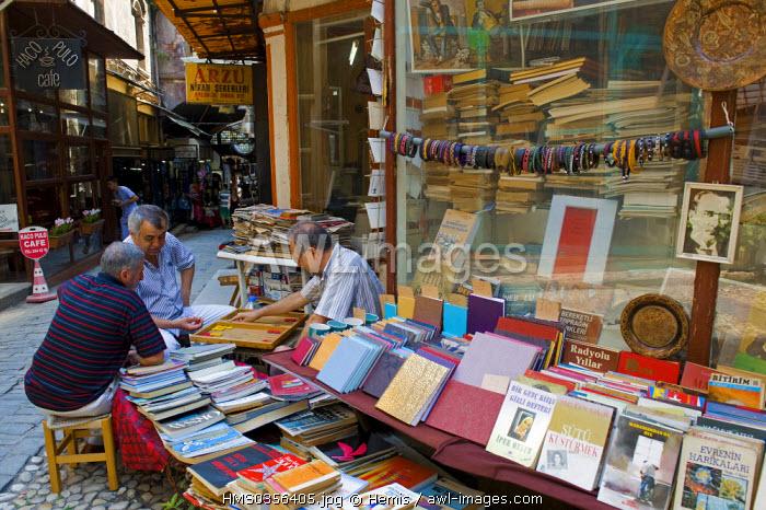 Turkey, Istanbul, Beyloglu, Taksim District, Hacopulo Pasaji (Hazzopoulos Passage) near Istiklal Caddesi Street, old book shop