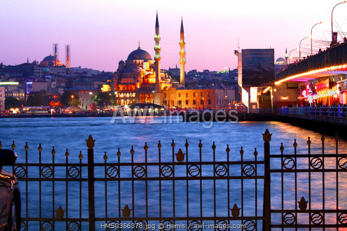 Turkey, Istanbul, Beyoglu, Karakoy District, Galata Bridge over the Golden Horn strait, the Yeni Cami (New Mosque) in the historical centre listed as World Heritage by UNESCO