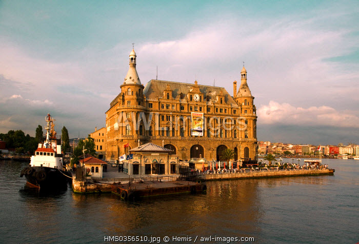 Turkey, Istanbul, Asian side, Kadikoy District, Haydarpasa Istasyonu Train Station inaugurated in 1908 with German Neo Classic style