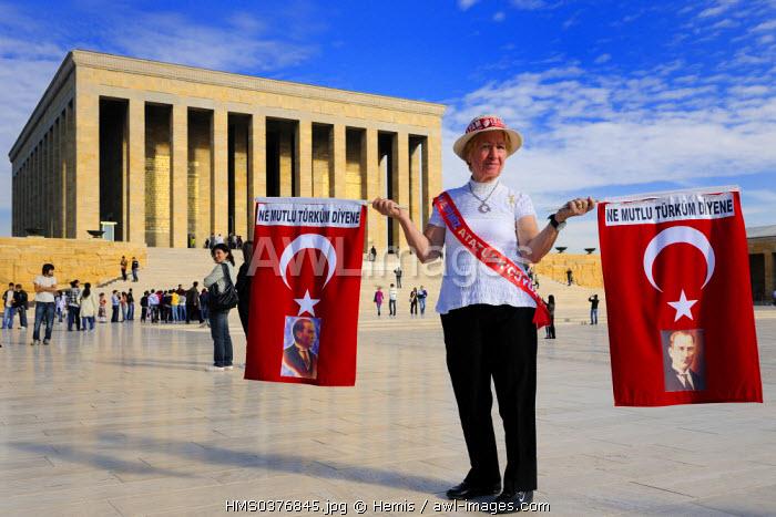 Turkey, Central Anatolia, Ankara, Ataturk supporter in front of the Ataturk Mausoleum