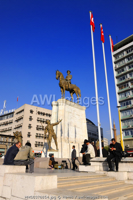 Turkey, Central Anatolia, Ankara, Ulus Meydani Square with Ataturk equestrian statue