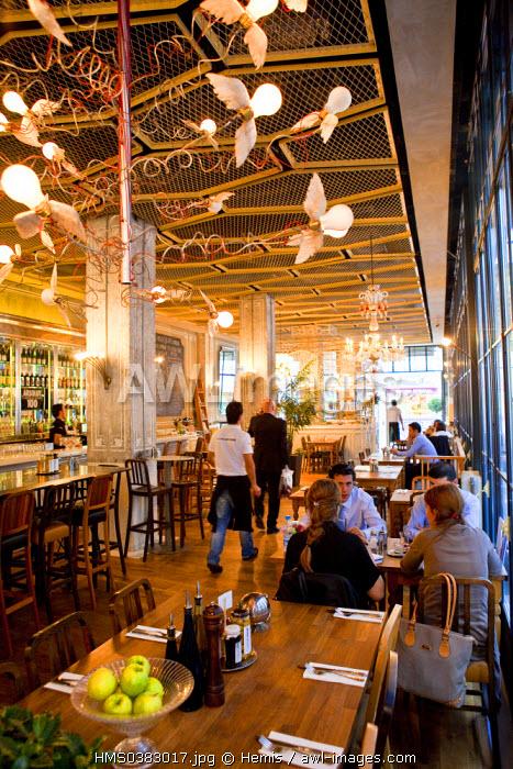 Turkey, Istanbul, Beyoglu, Taksim District, Istiklal Caddesi Street, Opera Cafe