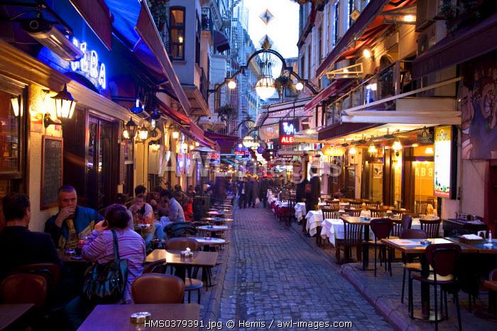 Turkey, Istanbul, Beyoglu, Taksim District, Nevizade Street with bars, restaurants and cafes
