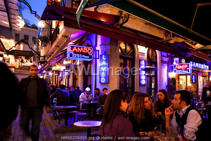 Turkey, Istanbul, Beyoglu, Taksim District, Nevizade Street with bars, restaurants and cafes