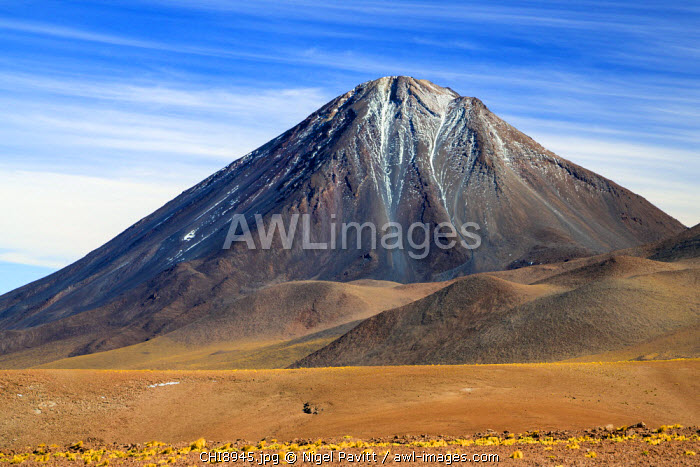 Chile, Atacama Desert, Altiplano; Antofagasta Region, El Loa Province. The strato-volcano Licanabur photographed from the Altiplano.
