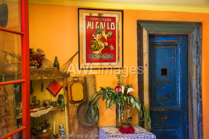 Chile, Maipo Valley, Santiago de Chile Region. A colourful corner of an attractive restaurant in the Maipo Valley which is housed in an old colonial building near Concha y Toro vineyards.