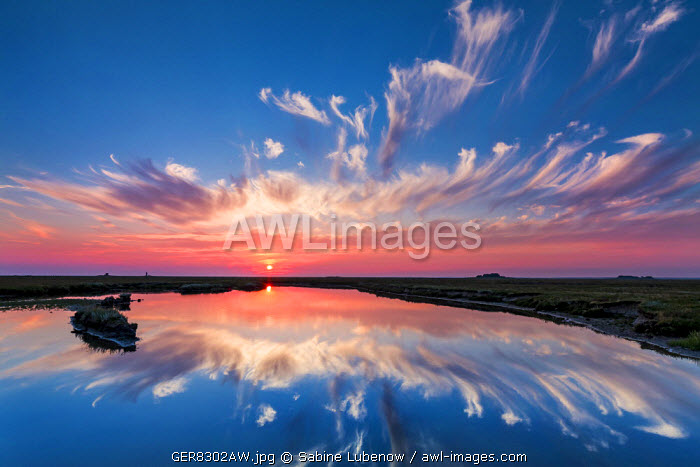 Sundown, Hallig Langeness, Northern Frisia, Schleswig-Holstein, Germany