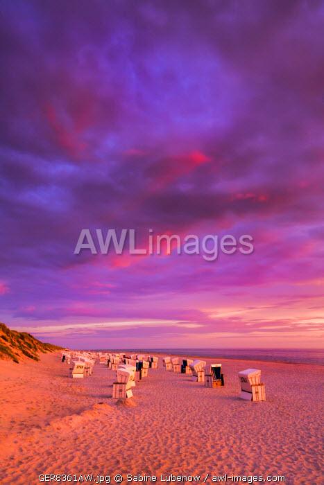 Sundown at beach, Sylt Island, Northern Frisia, Schleswig-Holstein, Germany