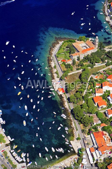 Croatia, Dalmatia, Dalmatian coast, Hvar island, Hvar city (aerial view)