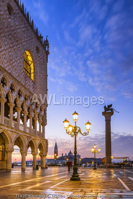 Italy, Veneto, Venice. Sunrise over Piazzetta San Marco and Doges palace