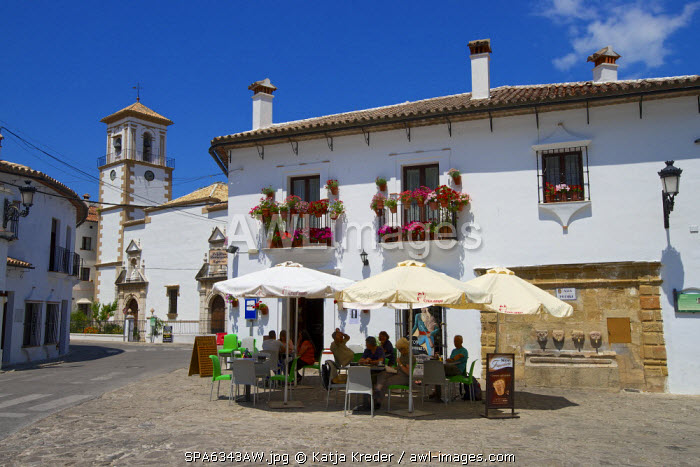 Streetcafe in Grazalema, Parque Natural Sierra de Grazalema, Andalusia, Spain