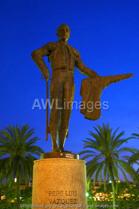 Statue of Pepe Luis Vazquez, Seville, Andalusia, Spain