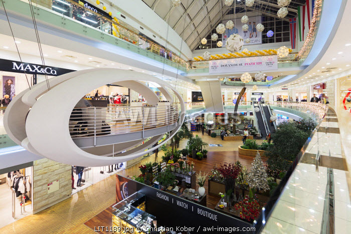 Europe, Baltic states, Lithuania, Vilnius, Europos Centre interior view, shopping complex