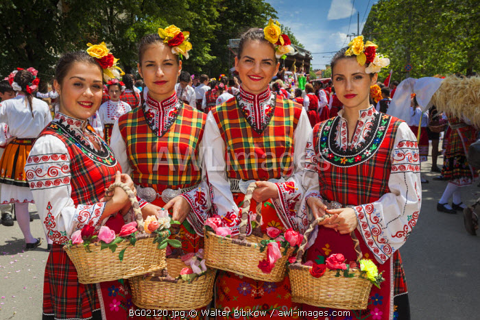 Bulgaria, Central Mountains, Kazanlak, Kazanlak Rose Festival, town produces 60% of the world's rose oil, Rose Parade, young women in traditional costumes, NR