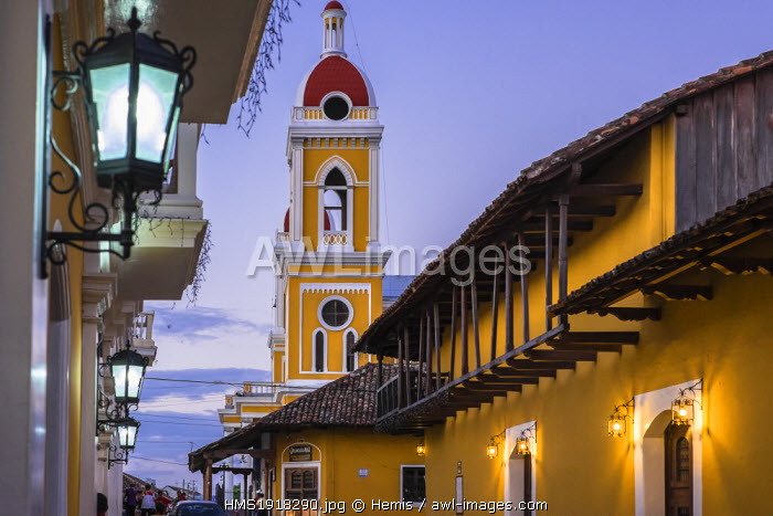 awl-images.com - Nicaragua / Nicaragua, Granada department, Granada, the Cathedral bell tower