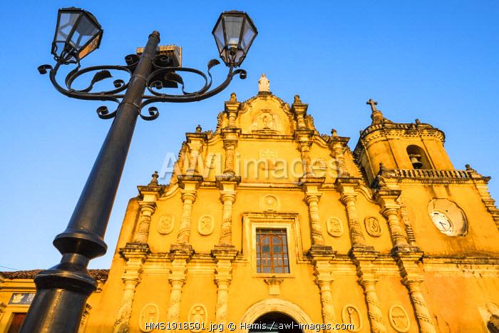 Nicaragua, Leon department, Leon, the Mexican baroque style of La Recoleccion church