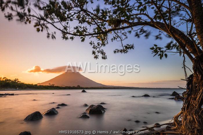 Nicaragua, Rivas department, Ometepe island, the shore of lake Nicaragua (or lake Cocibolca), volcano Concepcion