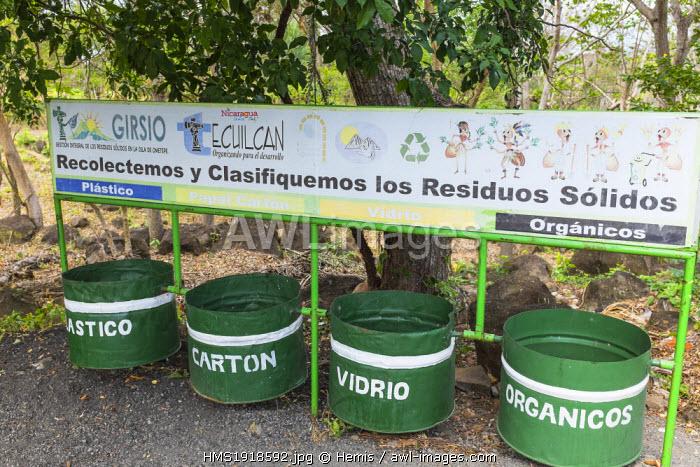 Nicaragua, Rivas department, Ometepe island, on lake Nicaragua (or lake Cocibolca), selective waste sorting