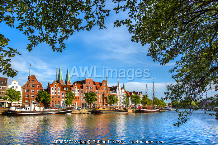 View over river Trave towards old town, Lübeck, Baltic coast, Schleswig-Holstein, Germany