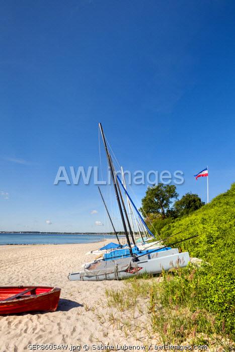 Boats on beach, Sierksdorf, Baltic coast, Schleswig-Holstein, Germany