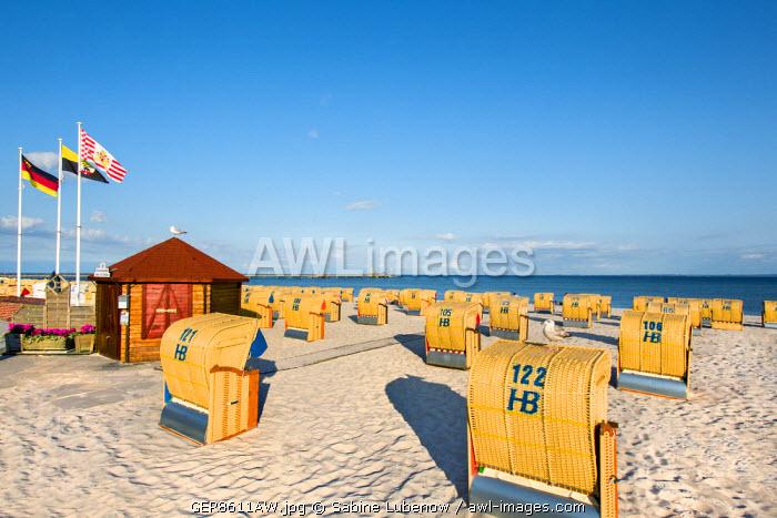 Beach with beach baskets, Grömitz, Baltic coast, Schleswig-Holstein, Germany