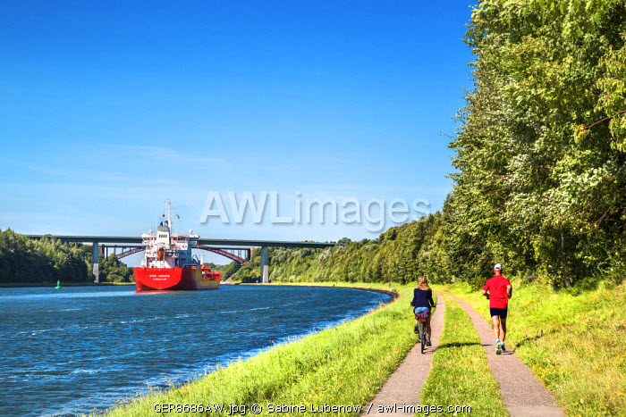 Cyclists at Kiel canal, Kiel, Baltic coast, Schleswig-Holstein, Germany