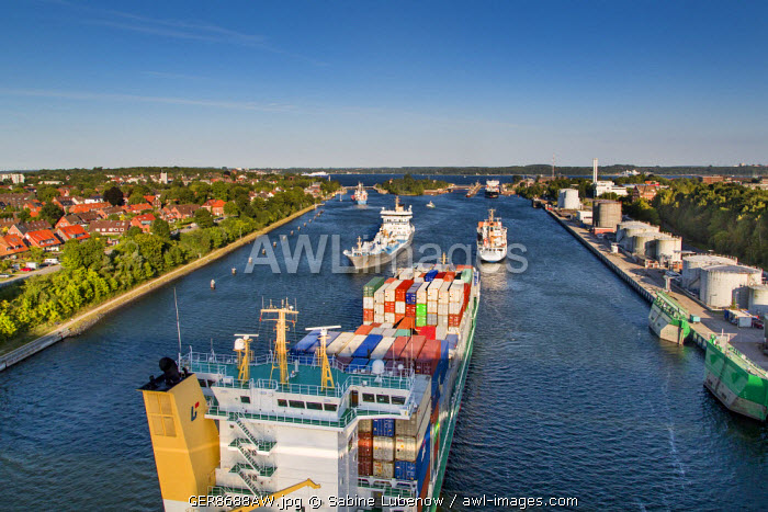 awl-images.com - Germany / Kiel canal, Kiel Holtenau, Baltic coast, Schleswig-Holstein, Germany