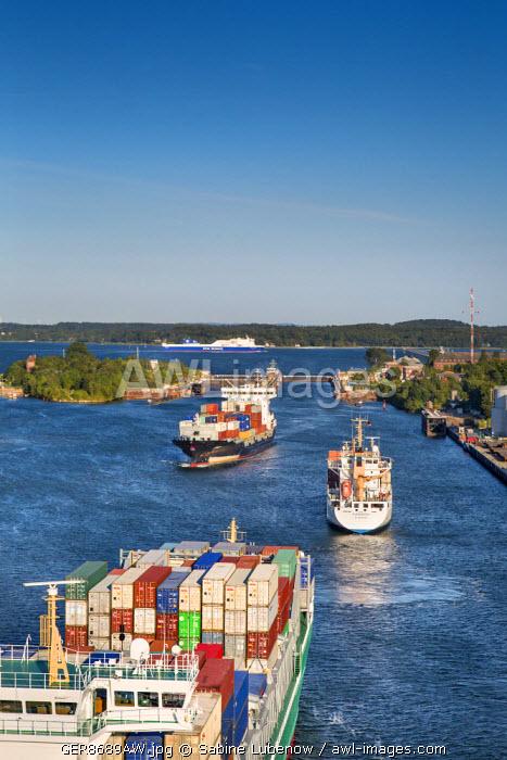 Kiel canal, Kiel Holtenau, Baltic coast, Schleswig-Holstein, Germany