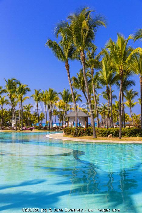 Cuba, Varadero, Swimming pool at Paradisus Hotel