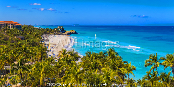 Cuba, Varadero, View over Varadero beach towards Xanadu mansion
