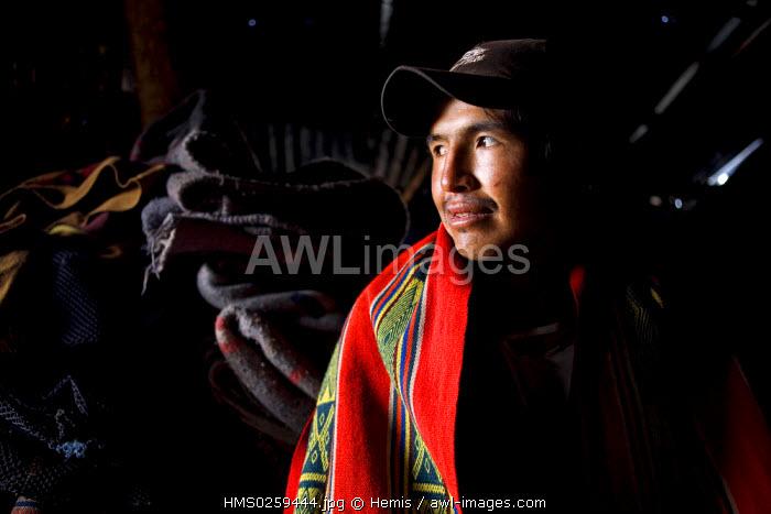 Peru, Cuzco Departement, excursion to the site Inca of Choquequirao, farmers in the village of Marampata