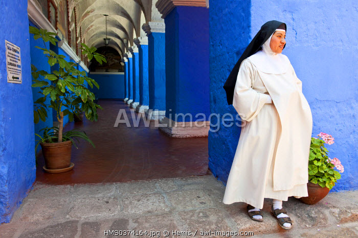 Peru, Arequipa Province, Arequipa, historical center listed as World Heritage by UNESCO, Santa Catalina Monastery founded in 1530, the Orange trees cloister, Sister Eliana, Dominican nun