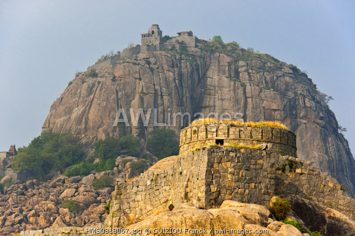 India, Tamil Nadu State, Gingee, the remains of the forts built in the 16th century by the Vijiyanagar overlook the countryside, the Rajagiri citadel