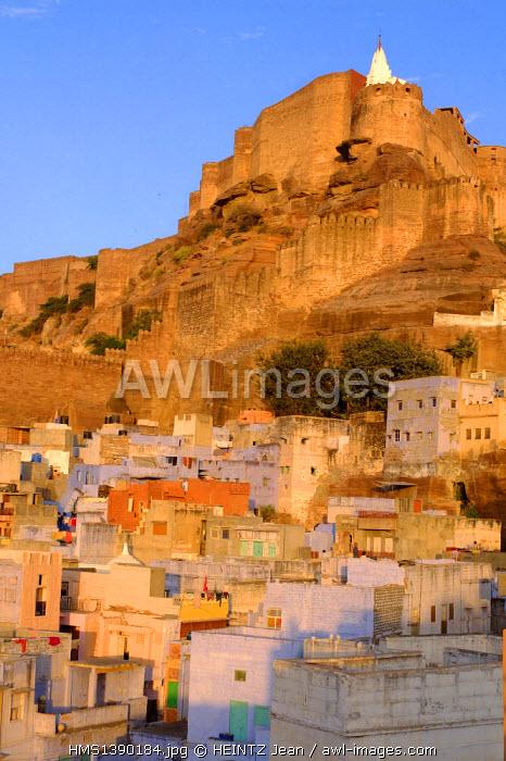 India, Rajasthan, Jodhpur, the old town at the foot of Mehrangarh palace