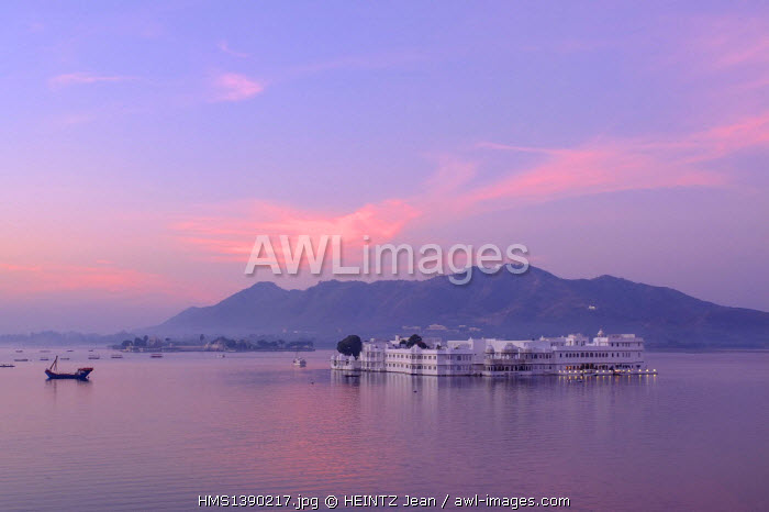 India, Rajasthan, Udaipur, on the shores of Lake Pichola, the Lake Palace built in 1743-1746, it is made of marble and is situated on Jag Niwas island