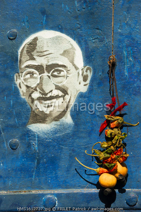 India, Rajasthan state, Jodhpur, Painted walls in the blue city, Ghandi