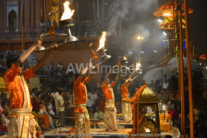 India, Uttar Pradesh, Varanasi, Aarti, Offering of light to the Ganges