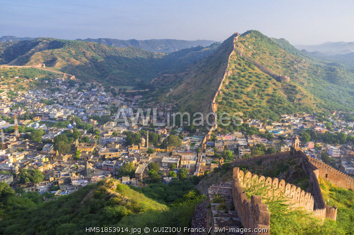 India, Rajasthan State, hill fort of Rajasthan listed as World Heritage by UNESCO, Jaipur, Amber, ramparts surrounding the city on the hills of Aravalli Range