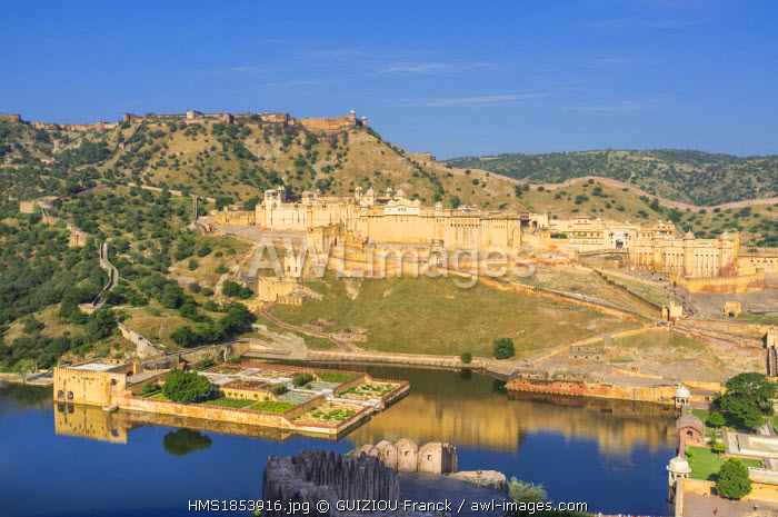 India, Rajasthan State, hill fort of Rajasthan listed as World Heritage by UNESCO, Jaipur, Amber Palace or Amber Fort, Amber Palace and lake Maotha at the foot of Jaigarh fort