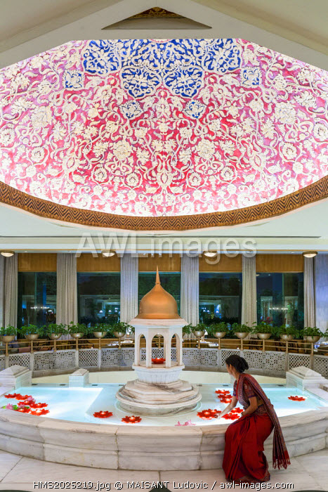 India, New Delhi, Sardar Patel Marg, Hotel The Taj Mahal lobby