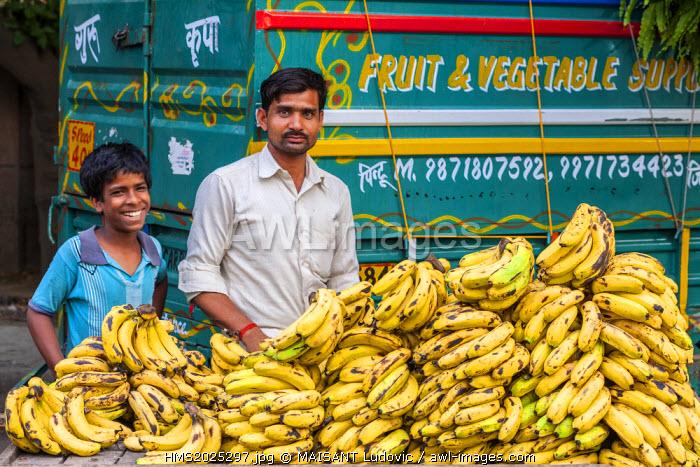 India, New Delhi, Saket district, Saket Market, banana vendor