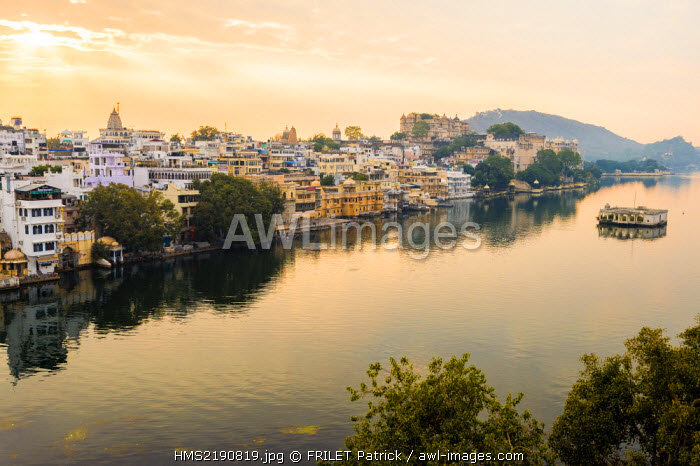 India, Rajasthan state, Udaipur, the City Palace, Lake Pichola